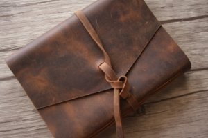 leather journal corporate gifts ideas