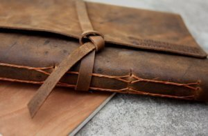 leather scrapbok album