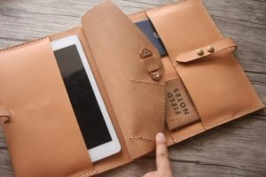 personalized leather portfolio zipper