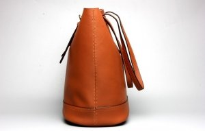leather tote orange color