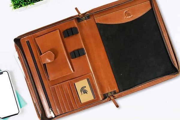 zippered-leather-portfolio