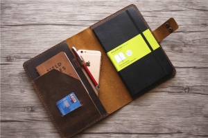 moleskine 18 month large weekly horizontal planner hard cover