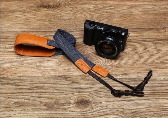 floatable camera strap