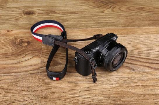 comfortable camera strap