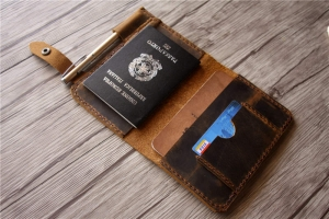 vs passport holder