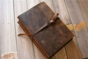 personalized leather gifts for men