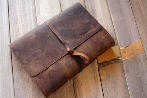 handmade leather mens gifts