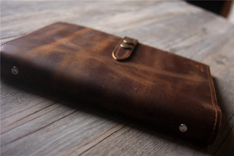 monogrammed leather gifts for women